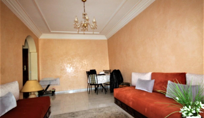 à acheter charmant appartement de de 59m² proche du Club sportif  IDEAL