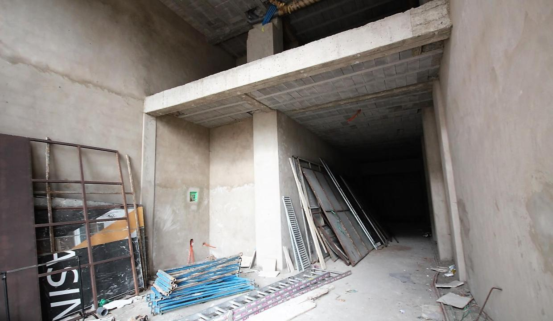 a-louer-magasin-avec-7m-de-hauteur-d-une-superficie-111-m2-1641