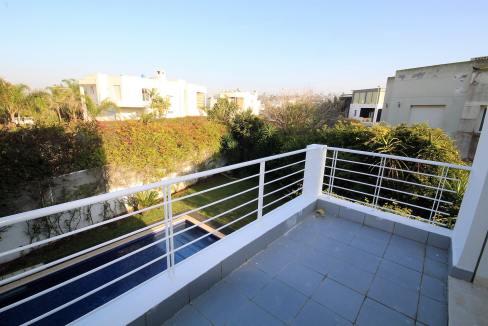 ain-diab-loue-villa-d-angle-moderne-de-4-chambres-vue-mer-011