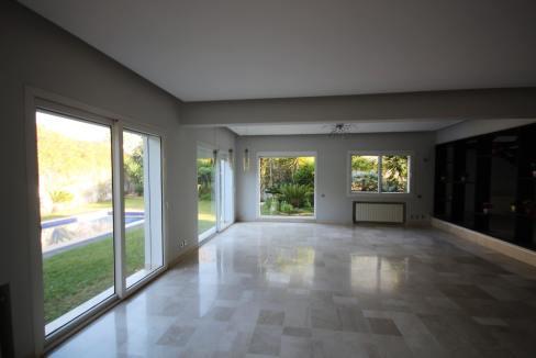 ain-diab-loue-villa-d-angle-moderne-de-4-chambres-vue-mer-023