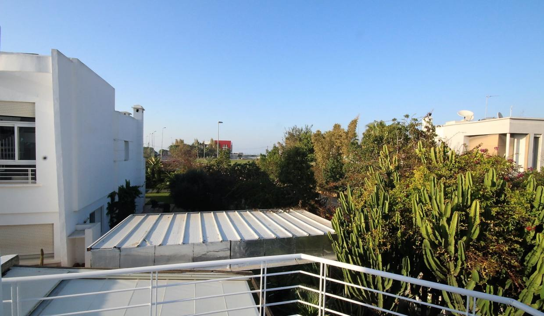 ain-diab-loue-villa-d-angle-moderne-de-4-chambres-vue-mer-027