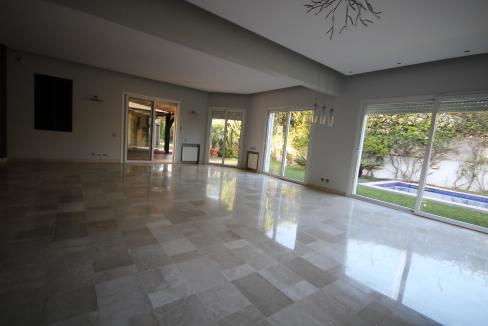 ain-diab-loue-villa-d-angle-moderne-de-4-chambres-vue-mer-07