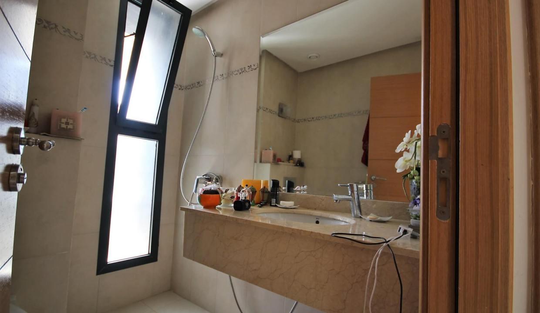 bouskoura-a-acheter-appartement-avec-terrasse-et-vue-sur-golf-et-espaces-vert-013