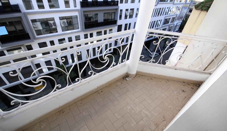 secteur-abdelmoumen-a-louer-vaste-appartement-3-chambres-de-160m2-015