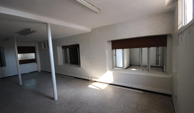 secteur-abdelmoumen-a-louer-vaste-appartement-3-chambres-de-160m2-02