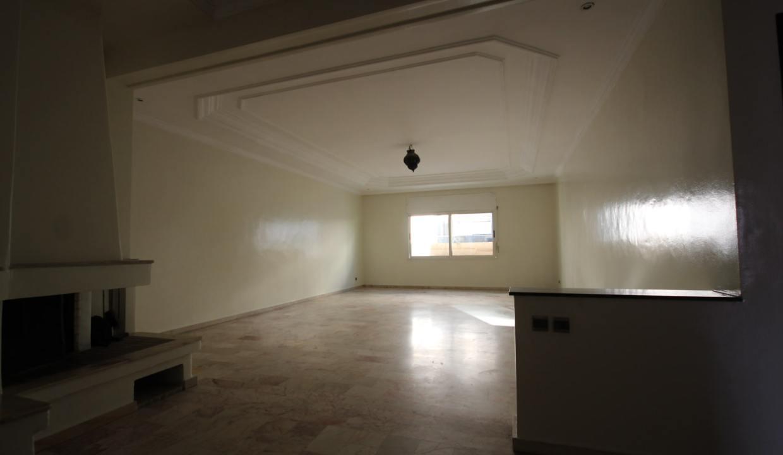 secteur-abdelmoumen-a-louer-vaste-appartement-3-chambres-de-160m2-04