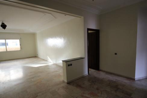 secteur-abdelmoumen-a-louer-vaste-appartement-3-chambres-de-160m2-09