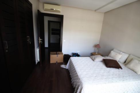 villa-de-5-chambres-a-louer-vide-ou-meublee-sur-terrain-371-m2-surface-habitable-400-m2-017