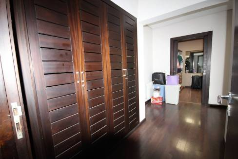 villa-de-5-chambres-a-louer-vide-ou-meublee-sur-terrain-371-m2-surface-habitable-400-m2-018