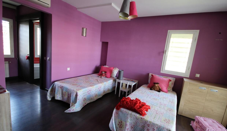 villa-de-5-chambres-a-louer-vide-ou-meublee-sur-terrain-371-m2-surface-habitable-400-m2-034