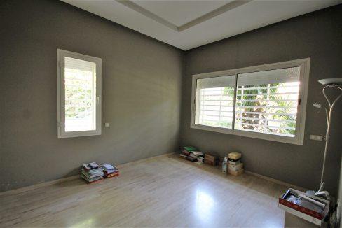 villa-de-5-chambres-a-louer-vide-ou-meublee-sur-terrain-371-m2-surface-habitable-400-m2-09