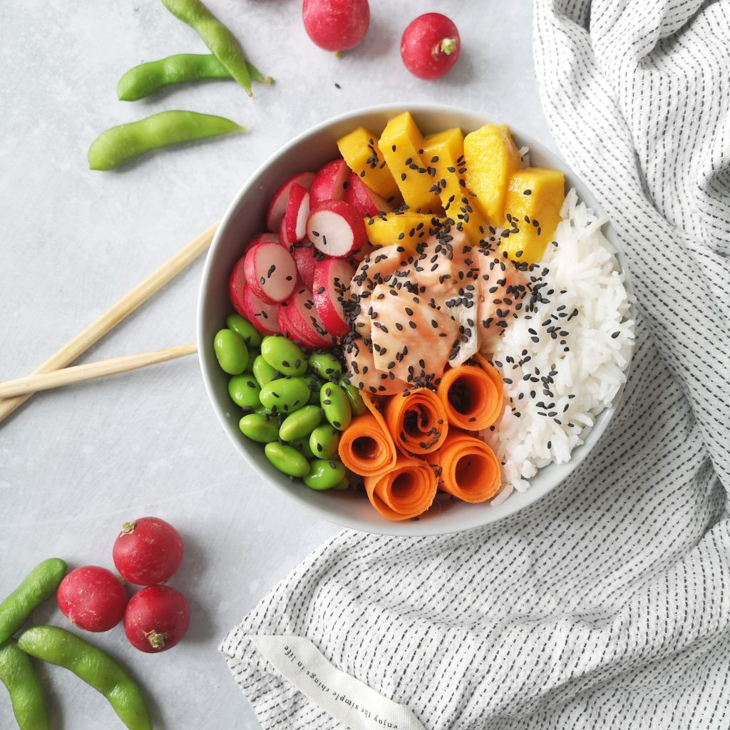 poké bowl multicolore