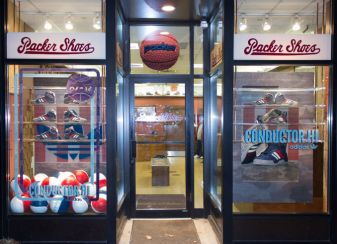 Packer Shoes | Teaneck, New Jersey