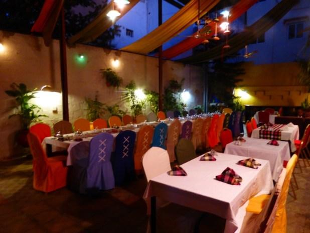 Le pub / resto L'endroit à Dakar. Photo P.B.