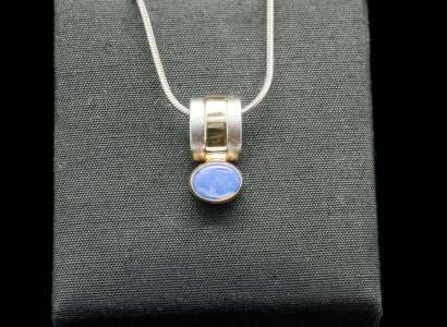 Silver Pendant with 18k Yellow Gold and Opal (PN51 Opal)