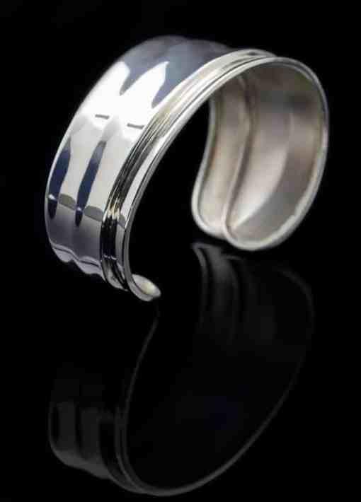 Sterling Silver Ahka Design Bangle Bracelet (BR64)