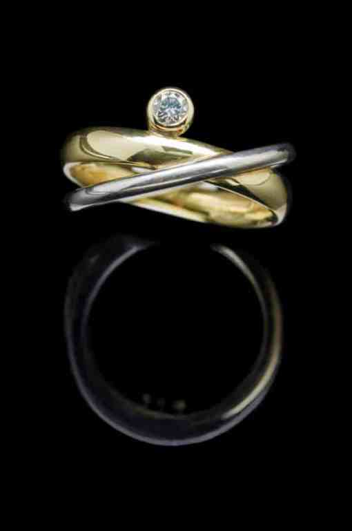 18k White & Yellow gold ring with 0.15ct Diamonds (GR70)
