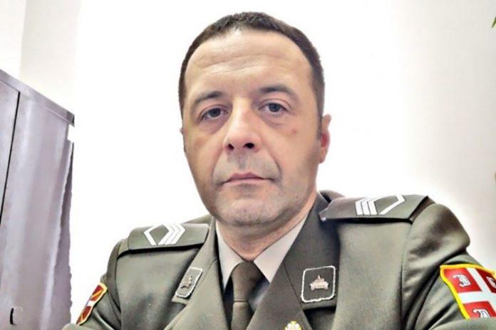 KAD SE DO VISINA VINE SLINA: Stefanović laže, nisu vojnici okrenuli leđa generalu! 1