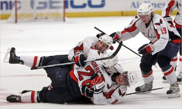 alex-ovechkin-hug-washington-capitals
