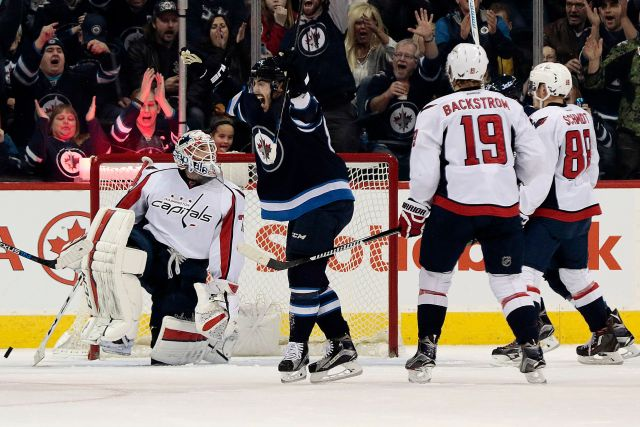washington-capitals-at-winnipeg-jets