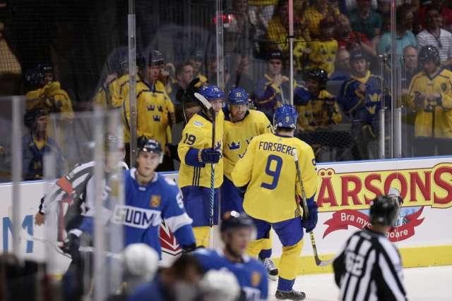 filip-forsberg-nicklas-backstrom-team-sweden