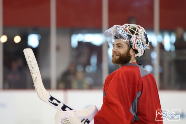 braden-holtby-capitals-practice-121016-218