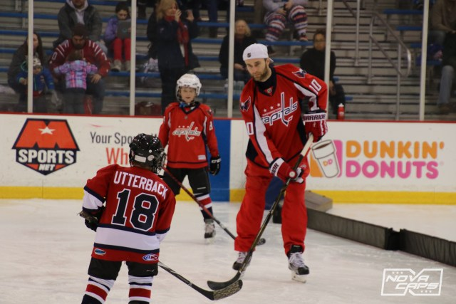 brett-connolly-capitals-adopted-families-holidays-1