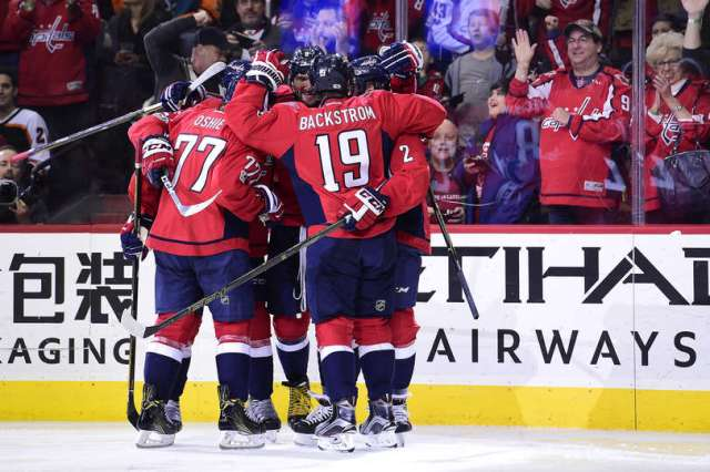 tj-oshie-nicklas-backstrom-caps-washington-capitals-flyers