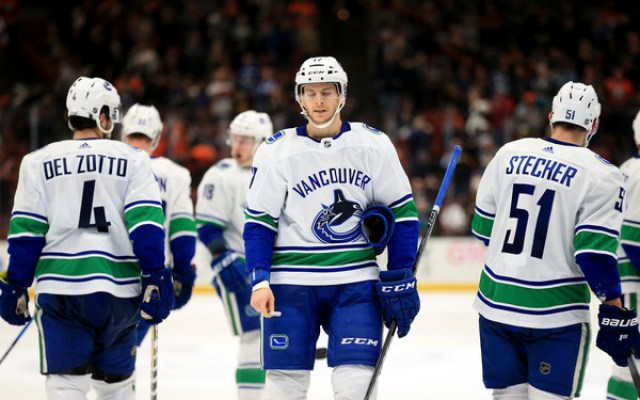 Nic+Dowd+Vancouver+Canucks+vs+Anaheim+Ducks+KGmXDQ9Iftul (1)