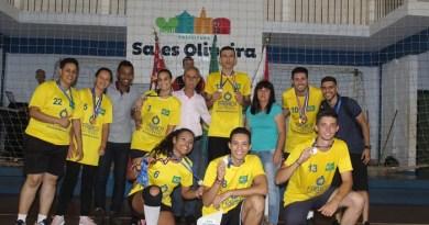 Equipe Centro é campeã do 3º Vôlei Misto de Sales Oliveira