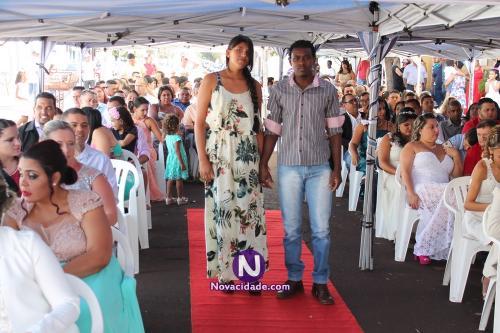 Francisco Silva Junior e Estefania Silva Custodio-casamento