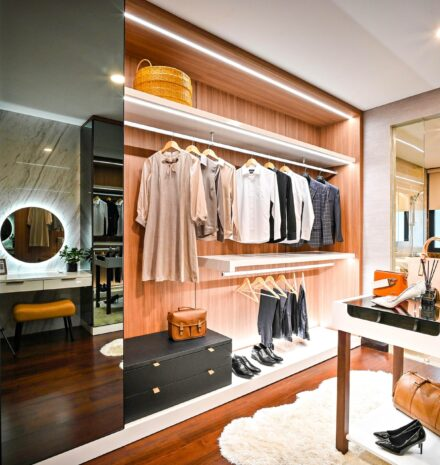 11 Top Walk-in Closet Design Ideas For Your Master Bedroom
