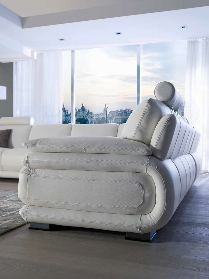 Atlantic Leather Sectional By Chateau DAx Italia