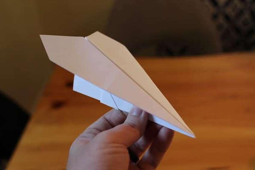 лучший бумажный самолетик