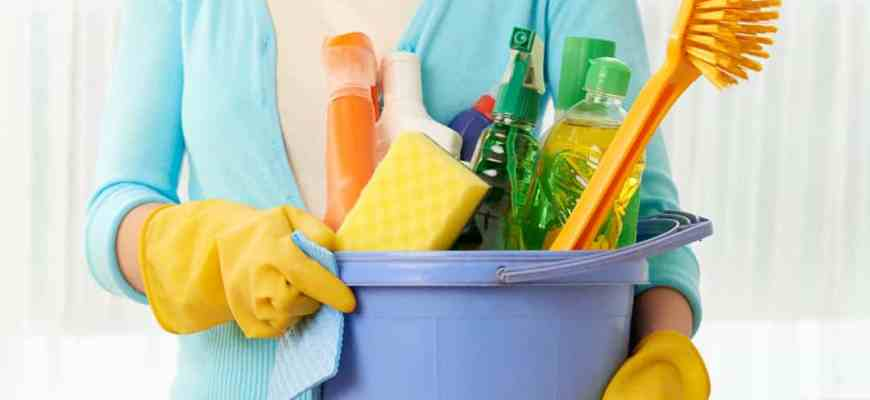 Spring Cleaning – 7 Easy Steps