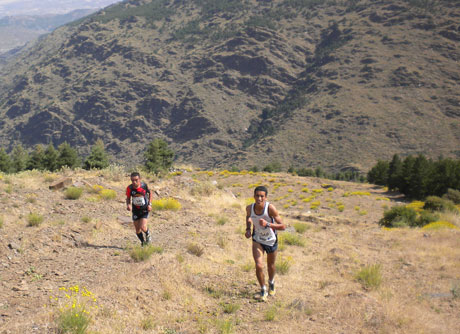 La competición se disputa campo a través. Foto: Aqueatacamos.com.