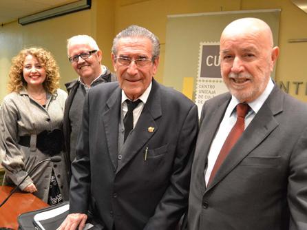 Aula Taurina de la UAL con el poeta Antonio Murciano.