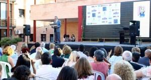 José Andrés Cano felicitó la entrega del equipo docente.