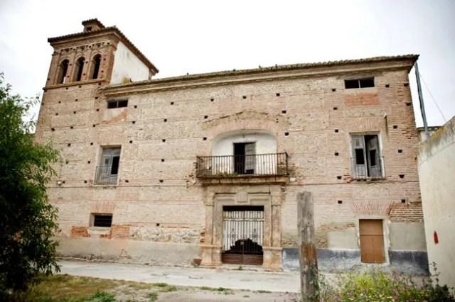 Exterior del Palacio del Rey Chico.