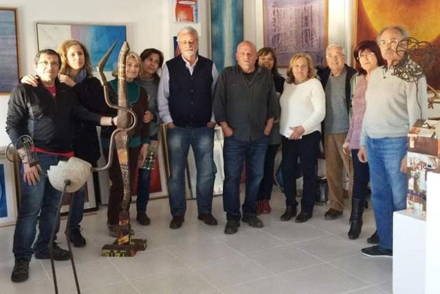 Jesús Maeztu (en el centro), junto a varios amigos en Serón.