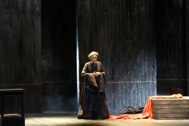 Concha Velasco emocionó como Juana la Loca.