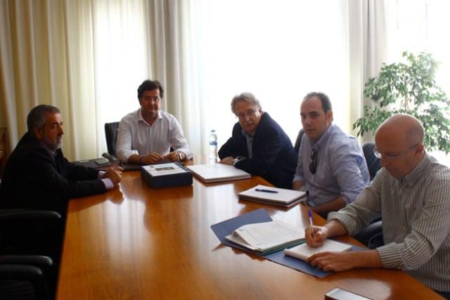 Reunión mantenida esta mañana en El Ejido donde se ha acordado la nueva fecha de la obra.