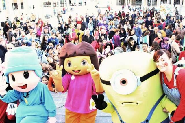 Taller de carnaval en El Ejido.