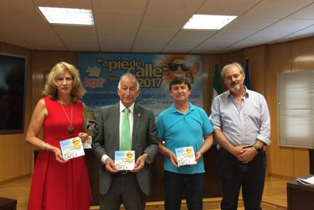 El alcalde de Roquetas ha presentado la programación de A Pie de Calle.
