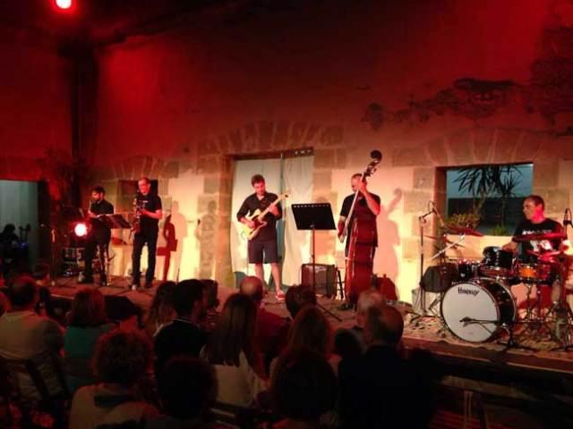 Van de Jazz actuará esta noche en el Castillo de Guardias Viejas.