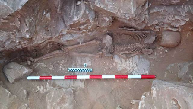 Uno de los enterramientos hallados en Macael.