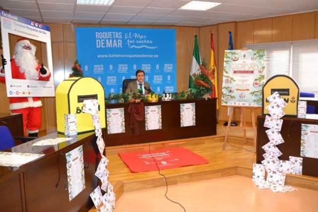 Presentación de las actividades de  Navidad para comercios de Roquetas.