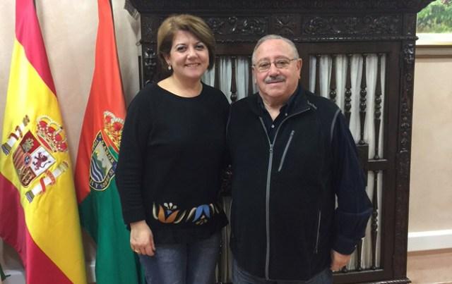 La alcaldesa de Gádor y el nuevo juez de paz.