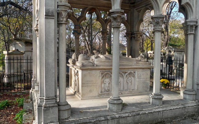 Tomb of Heloise and Abelard, Pere Lachaise Cemetery, Paris, France photo by Erik S. Peterson, https://colorjedi.tumblr.com/