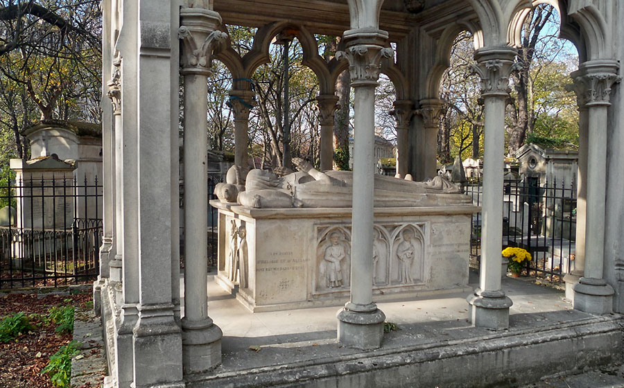 Tomb of Heloise and Abelard, Pere Lachaise Cemetery, Paris, France photo by Erik S. Peterson, https://colorjedi.tumblr.com/
